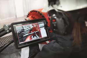 Heavy duty drive diagnostic tool employs augmented reality