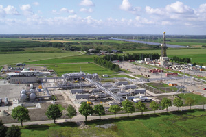 The Eemskanaal Plant is one of the twenty 'clusters' of gas wells in the NAM project in the Groningen province of The Netherlands.