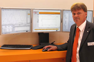 Felix Tücking shows B&R's APROL process control system at Hannover Messe