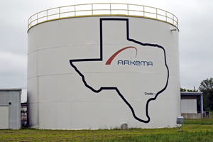 The water level of this 1.9 million litre tank at Arkema Chemical in Texas is measured by one wireless pressure meter installed at its base.