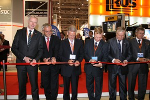 Opening Ceremony of Industrial Trade Fair Moscow, 28 September 2010. (left-right): Dr. Andreas Gruchow, Member of the board Messe AG, Dr. Reinhard Hüppe, CEO Fachverband Automation im ZVEI, Dr. Manfred Wittenstein, VDMA President, Mr. Evgeny Podenok